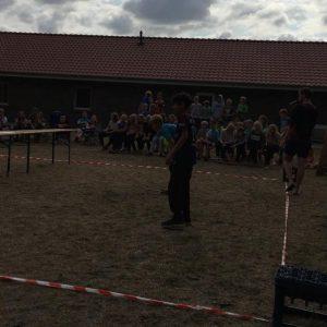 """Minilager 2019: Fußballtennisduell um den Sieg bei """"Schlag den Leiter"""""""